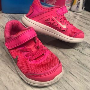 Toddler pink Nike's